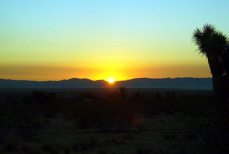 Actual_Sunrise wikimedia commons