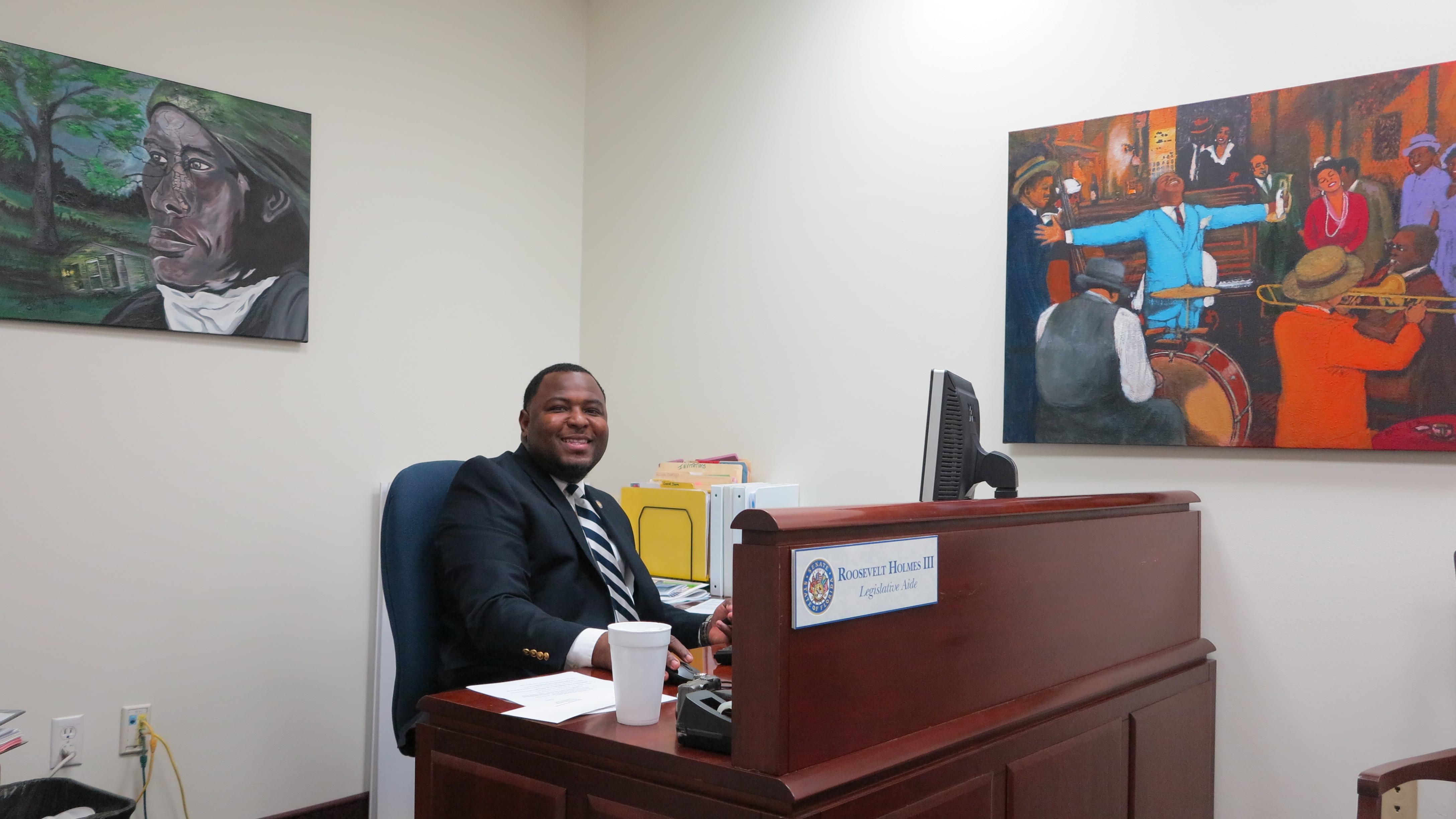 Roosevelt Holmes III Legislative Aide for Senator Geraldine Thompson2013