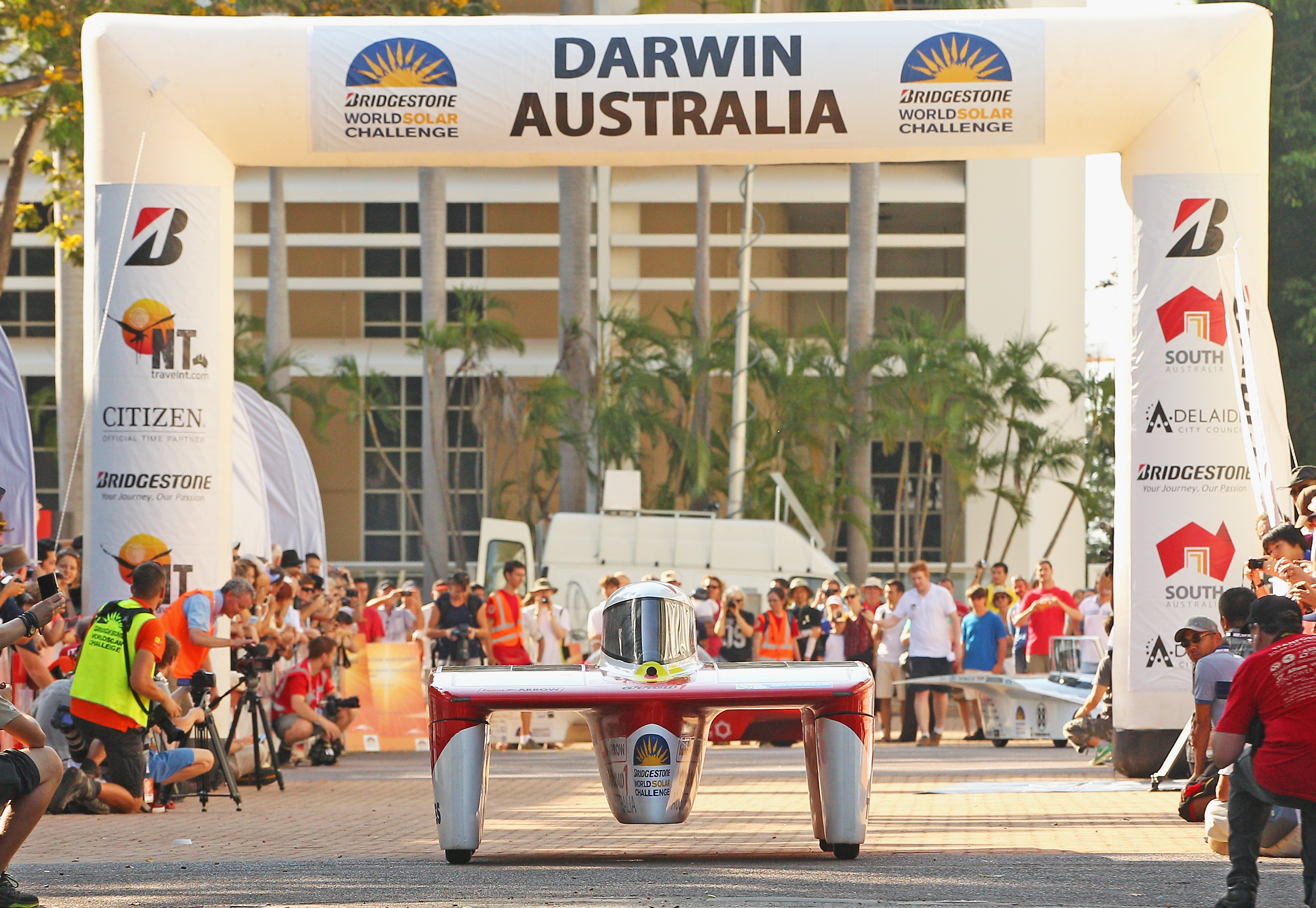 2013 World Solar Challenge: Day 1