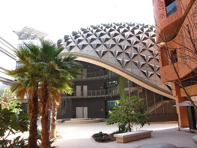 Masdar_city_building wikipedia smaller