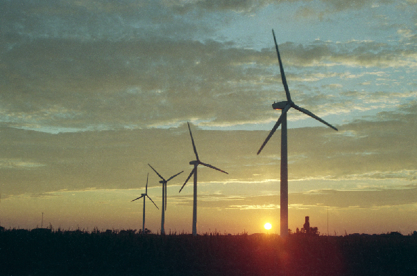 Solar-Wind3 (credit Todd Spink, wind farm near Montfort, Wisconsin) NRELfinal