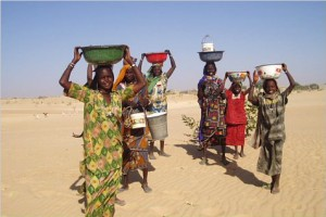 Mao women-clean water is often a problem in Chad (creative commons attributions-share alike 2.0)