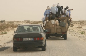 Road from Nouakchott to Mauritanian-Senegalese border (by Ferdinand  Reus, Creative Commons Attributions-Share Alike 2.0)