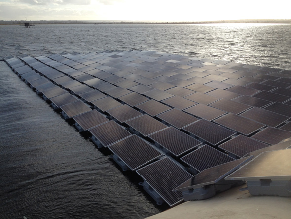Thames water EU's and World's (as of April, 2016) largest floating solar farm QE-press-release credit Thames water